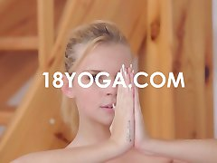 Baby Dream Does Splits Yoga Fuck