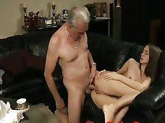 پیر مرد Sodomizes, - YouTubePussy.com