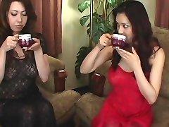 Yuki Tsukamoto, Yumi Kazama-Erotik
