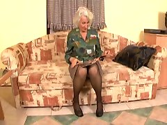 مادر بزرگ است که در آن Again4 ماریا بوسه jk1690
