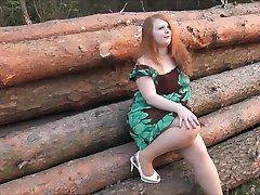 Geller Fick im Wald
