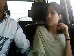 im Auto Fingersatz girlie