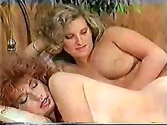 Big-dicked t-girl makes her sexy gf feel really excited