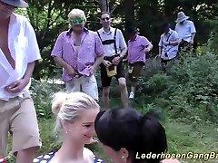 آلمانی lederhosen, در طبیعت