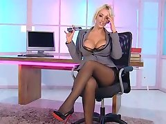 Lucy Zara no RLC Office