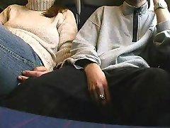 آلمانی دختر آماتور مکیدن دیک در قطار