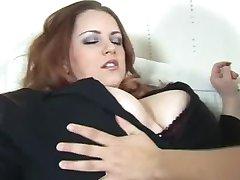 Busty, बड़े स्तन वाली मैडम