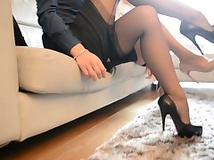 2 hot sexy secretary vaadates austust FF nailon)