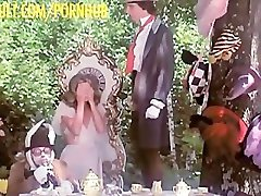 Kristine Αυτός - η Αλίκη στη χώρα των Θαυμάτων