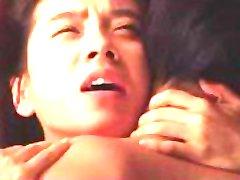 Coreano de la Celebridad Song Ji Hyo escena de amor