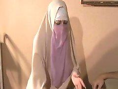 Hijabi Muslimah sūkā spermu no Milzīgu 10 collu Rietumu Gailis