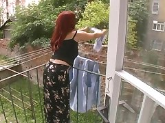 Seksi Zrela Žena Je Napadnut Tijekom Pranja - Cireman