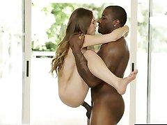 STEMNILO Drobne Mlado Dekle Skye Zahodu Prvi Interracial