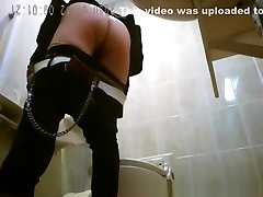 Japanese women caught in public toilet peeing