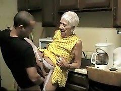 Egzotiškas Mėgėjų įrašas su Cumshot, Grannies scenos
