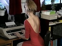 Debbie, hot office knulla
