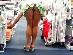 shoping upskirt no underpants