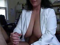 Handjobs medicinska sestra
