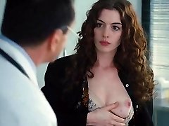 Anne Hathaway,Christina Fandino,Jo Newman,Katheryn Winnick i Love And Other Drugs (2010)