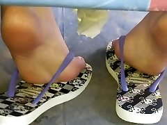 Candid teen astounding soles and feet sola pies