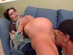 Nancy Vee - noseča interracial analni