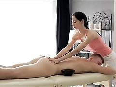 Teenie Massage Threapist Boinked Hard