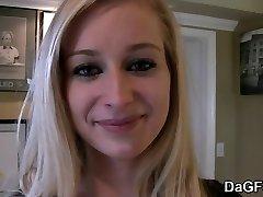 Süütu blond koolitüdruk saab perses ja facialized