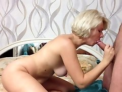 Beauty Russian Fledgling Girl Makes Bj and Cum in MOuth