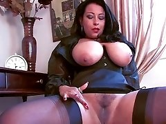 Worship your british dominatrix - C4R