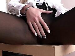 Hot bitch pees through her spectacular pantyhose
