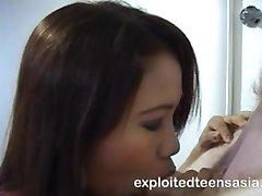 苏菲律宾业余深喉专家最好在马尼拉她吞下你的整个公鸡。