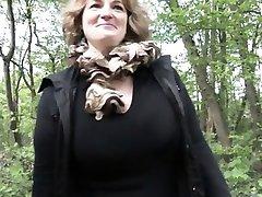 Fransk modne Sofia knullet utendørs