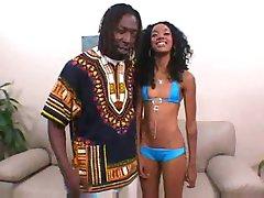 Slim Crna djevojka sa velikim guzicu