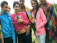 Beach Party su Karšto Merginos