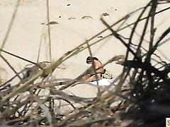 Spycam Nackte Frau am Strand