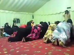 SEXY MUSLIMS TWERKING