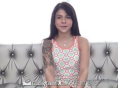 CastingCouch-x - Sadie Pop fucks agenata u prvih porno