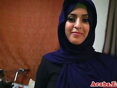 Arabų hijabi pakliuvom draudžiama stora pūlingas