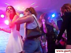 Busty ευρώ, κορίτσι ψεκάζεται cumontits στο κόμμα