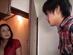 Uloga igranje igra Japanese mama i njezina sina engleskim titlovima