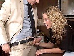pěkné kancelářské dívka