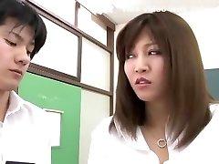 gekke japanse chick yuna shiina in de prachtige paar, close-up jav clip