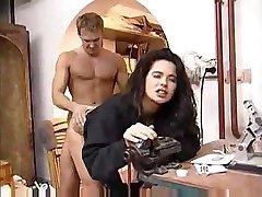 Angelica 벨라 비명 소리에 기쁨 지방으로 들어가 딕 그녀의 털이 균열을