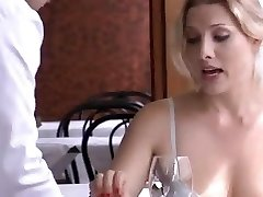 Monamour is an Italian drama with a few sex gigs