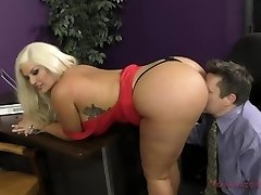 The Queen of Bootie Takes A Fresh Slave - Julie Cash