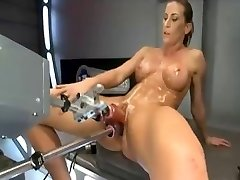 ariel x squirting and riding poking machine