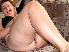 Granny sexy gams (2)