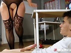 Harmony Reigns & Jordi in Showcasing Her Tits - DigitalPlayground