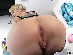 Dee Williams's mature rosy pucker pounded hard