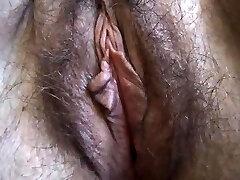 Hairy Plus-size close up masturbation